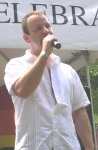 ReadingPride2009ChrisShirkperforms